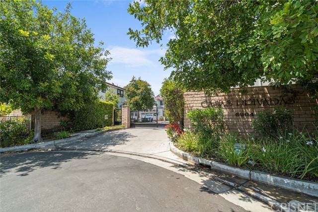 6904 Vantage Avenue #106, North Hollywood, CA 91605 (#SR21114551) :: Montemayor & Associates