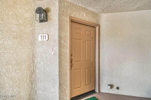 631 Oak Run Trail #111, Oak Park, CA 91377 (#221003110) :: Lydia Gable Realty Group