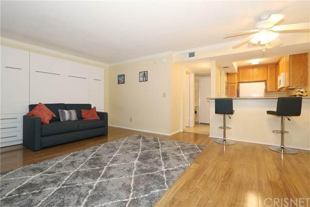5325 Newcastle Avenue #211, Encino, CA 91316 (#SR21126143) :: Compass