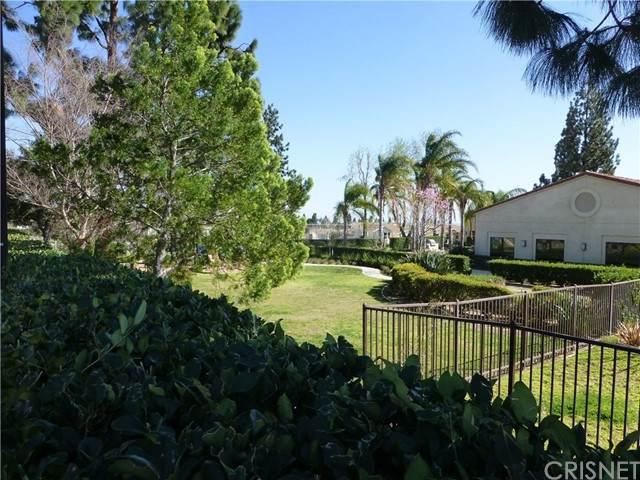 15455 Glenoaks Blvd #105, Sylmar, CA 91342 (#SR21126031) :: Montemayor & Associates