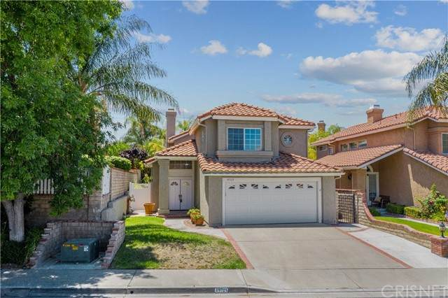 19725 Azure Field Drive, Newhall, CA 91321 (#SR21127550) :: Lydia Gable Realty Group
