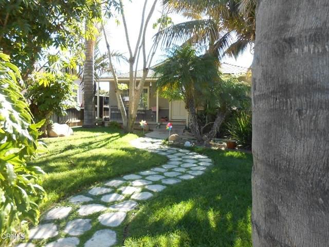 2410 Grand Avenue, Ventura, CA 93003 (#V1-6420) :: Montemayor & Associates