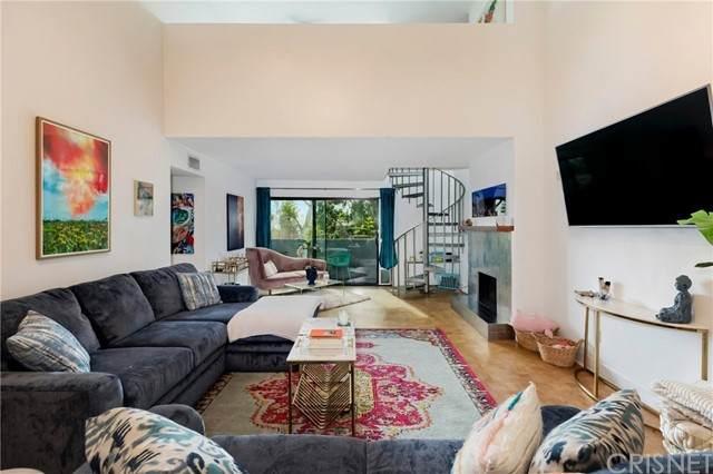 1940 N Highland Avenue Ph81, Hollywood Hills, CA 90068 (#SR21128981) :: TruLine Realty