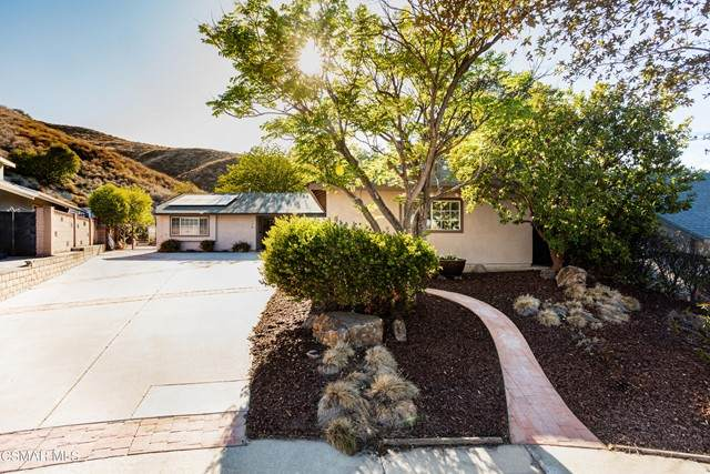 175 Welsh Court, Simi Valley, CA 93065 (#221003244) :: Angelo Fierro Group | Compass