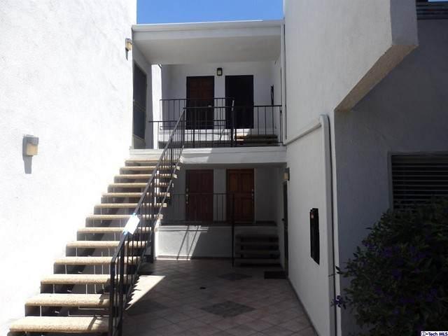 18645 Hatteras Street #244, Tarzana, CA 91356 (#320006486) :: Montemayor & Associates
