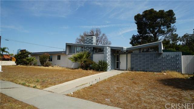 18419 Devonshire Street, Northridge, CA 91325 (#SR21130031) :: The Grillo Group