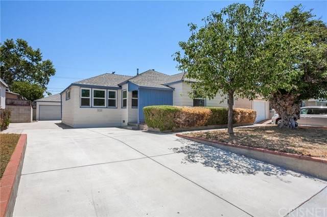 2112 N Buena Vista Street, Burbank, CA 91504 (#SR21130315) :: TruLine Realty