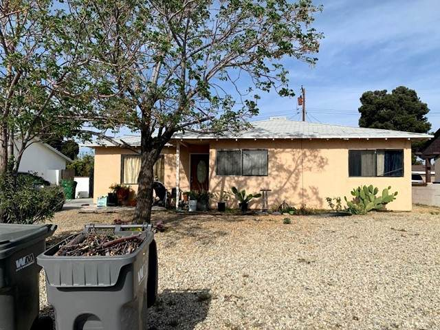 44266 Glenraven Road, Lancaster, CA 93535 (#SR21101491) :: Montemayor & Associates