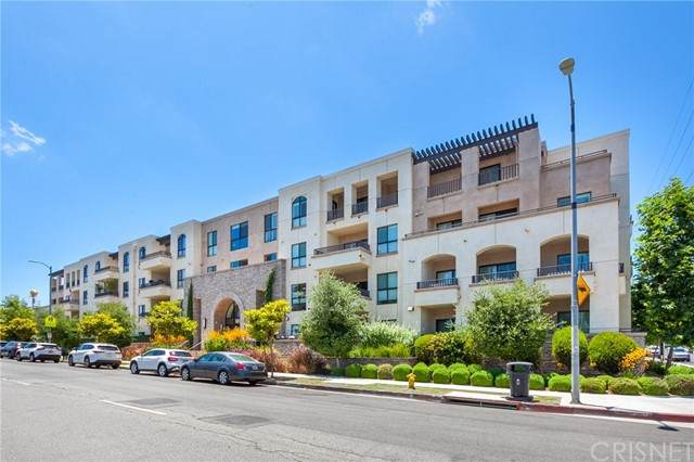 5015 Balboa Boulevard - Photo 1
