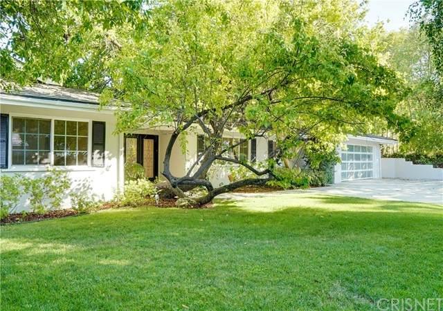 20132 Allentown Drive, Woodland Hills, CA 91364 (#SR21132557) :: Montemayor & Associates