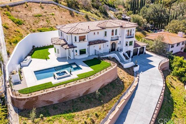 208 Bell Canyon Road, Bell Canyon, CA 91307 (#SR21132192) :: Montemayor & Associates