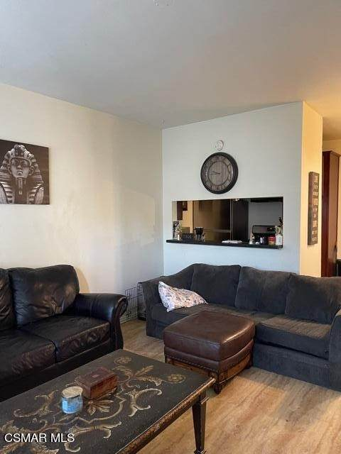 68 Maegan Place #2, Thousand Oaks, CA 91362 (#221003340) :: Berkshire Hathaway HomeServices California Properties
