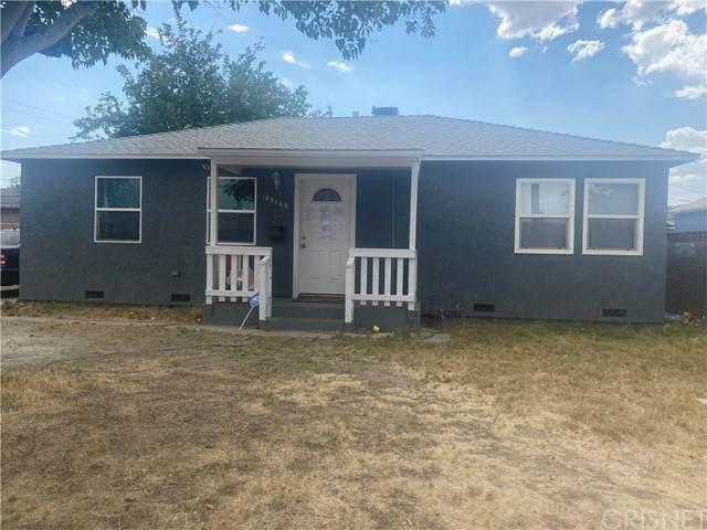 45109 Redwood Avenue, Lancaster, CA 93534 (#SR21133322) :: TruLine Realty