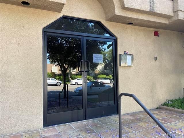 4230 Colfax Avenue #104, Studio City, CA 91604 (#SR21131707) :: The Grillo Group