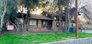 13033 Woodcock Avenue, Sylmar, CA 91342 (#SR21133480) :: Montemayor & Associates