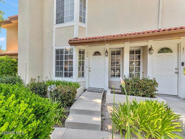 2755 Stearns Street #16, Simi Valley, CA 93063 (#221003382) :: The Grillo Group
