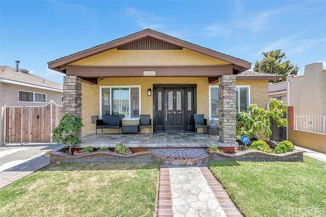 2716 Olive Street, Huntington Park, CA 90255 (#SR21134969) :: Montemayor & Associates