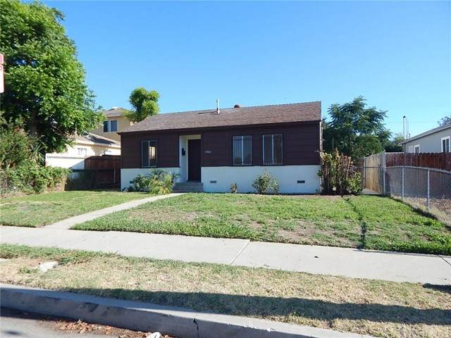 19763 Roscoe Boulevard, Winnetka, CA 91306 (#SR21137213) :: The Grillo Group