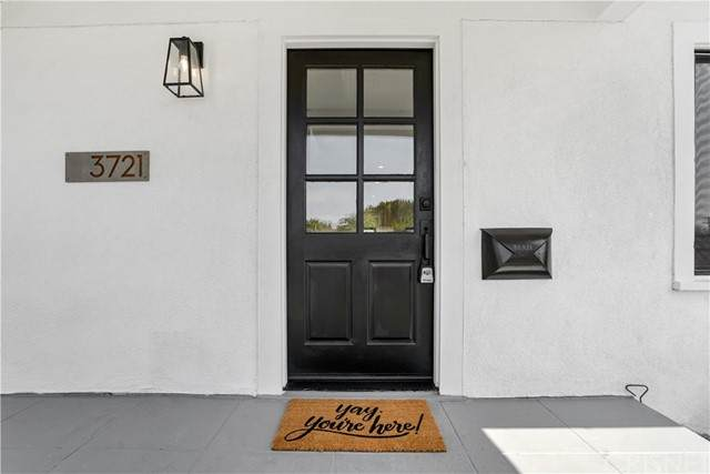 3721 W 58th Place, Los Angeles, CA 90043 (#SR21137269) :: The Grillo Group