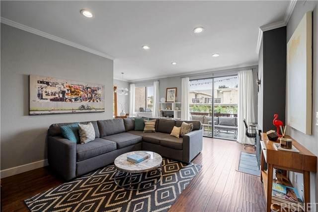 14539 Benefit Street #206, Sherman Oaks, CA 91403 (#SR21137831) :: Montemayor & Associates
