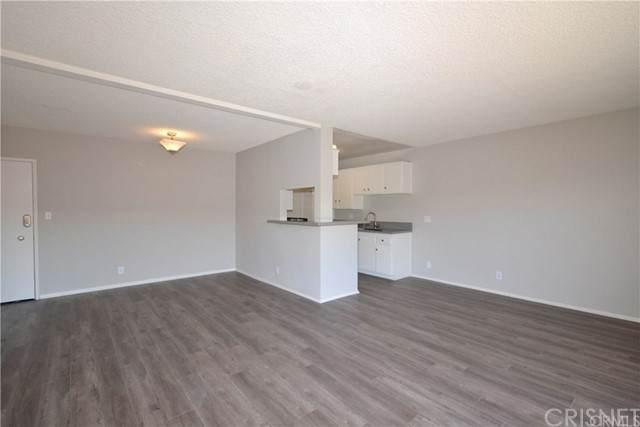 855 Victor Avenue #308, Inglewood, CA 90302 (#SR21149510) :: Randy Plaice and Associates
