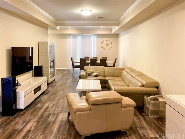 3974 Pennsylvania Avenue #112, La Crescenta, CA 91214 (#SR21149569) :: Berkshire Hathaway HomeServices California Properties