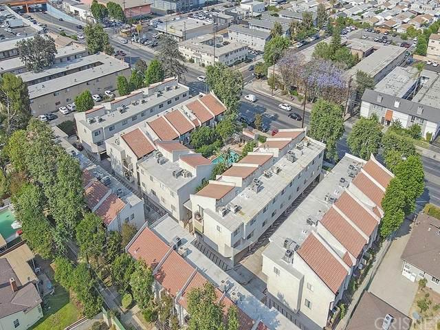 7439 Woodman Avenue #59, Van Nuys, CA 91405 (#SR21155338) :: Berkshire Hathaway HomeServices California Properties