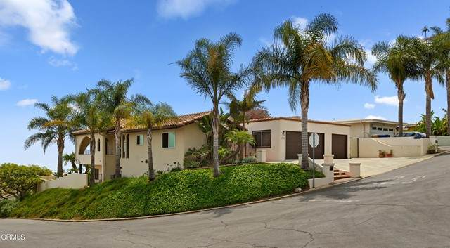 305 Mariposa Drive, Ventura, CA 93001 (#V1-7183) :: The Suarez Team
