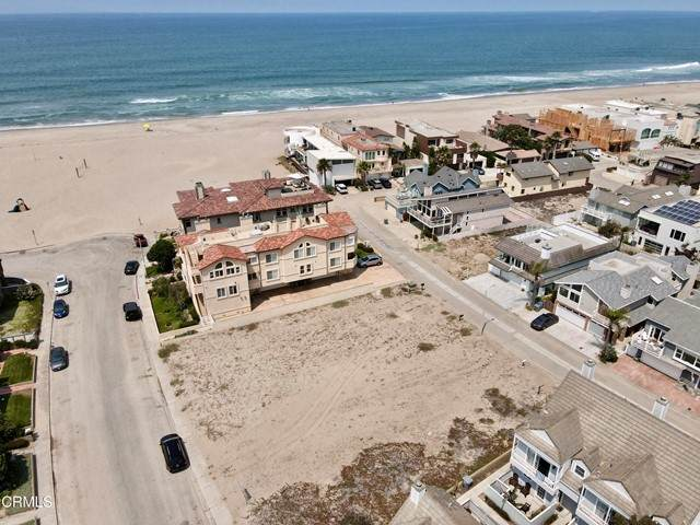 5227 Neptune Square, Oxnard, CA 93035 (#V1-7192) :: The Bobnes Group Real Estate