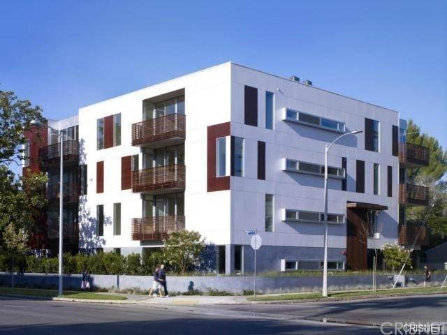 12504 Woodbridge Street #402, Studio City, CA 91604 (#SR21156397) :: Montemayor & Associates