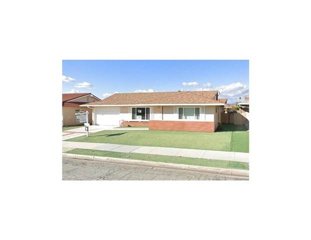 1420 W Mayberry Avenue, Hemet, CA 92543 (#SR21159337) :: Montemayor & Associates