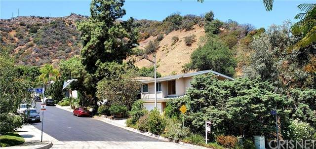 3463 Standish Drive, Encino, CA 91436 (#SR21160256) :: Montemayor & Associates
