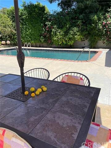 7645 Amestoy Ave., Lake Balboa, CA 91406 (#SR21147268) :: Lydia Gable Realty Group