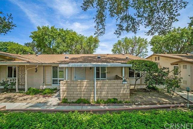 19115 Avenue Of The Oaks, Newhall, CA 91321 (#SR21162869) :: Montemayor & Associates