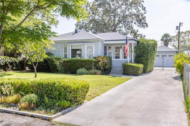 6328 Camellia Avenue, North Hollywood, CA 91606 (#SR21157839) :: The Parsons Team