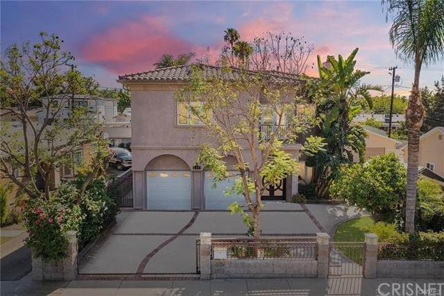 147 N Sparks Street, Burbank, CA 91506 (#SR21167834) :: Montemayor & Associates