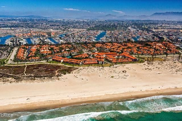 2105 Martinique Lane, Oxnard, CA 93035 (#V1-7513) :: Berkshire Hathaway HomeServices California Properties