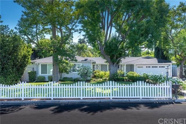5142 Gaynor Avenue, Encino, CA 91436 (#SR21169402) :: TruLine Realty