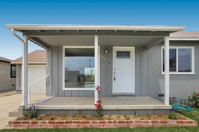 233 W Iris Street, Oxnard, CA 93033 (#V1-7541) :: Lydia Gable Realty Group