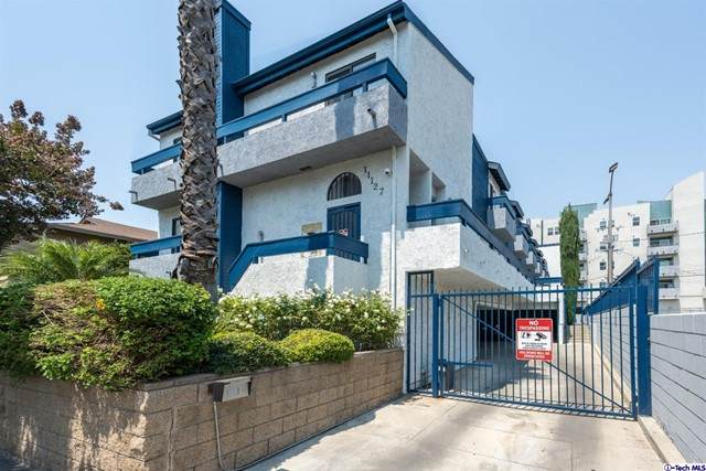 11127 Hesby Street #4, North Hollywood, CA 91601 (#320007129) :: The Parsons Team