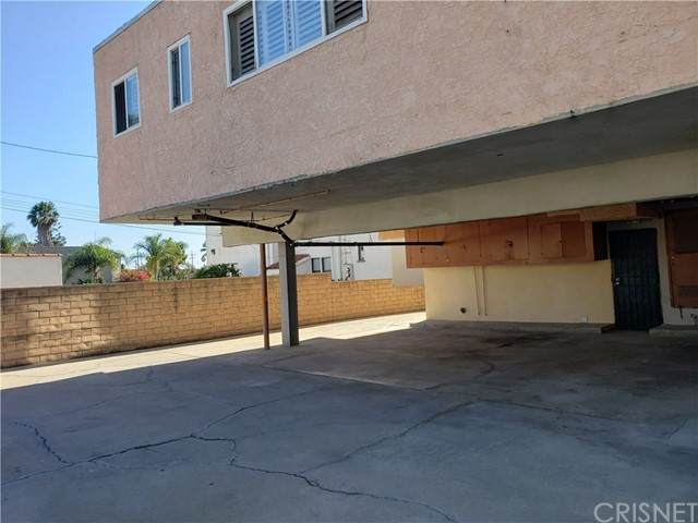 1556 S Orange Grove Avenue, Los Angeles, CA 90019 (#SR21170317) :: TruLine Realty
