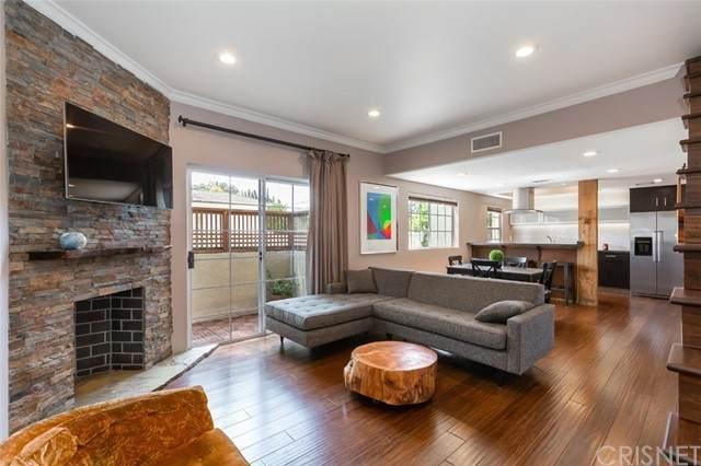11306 Moorpark Street #5, Studio City, CA 91602 (#SR21185461) :: Montemayor & Associates