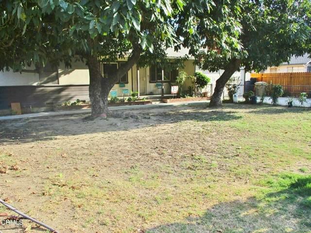 120 W Main Street, Santa Paula, CA 93060 (#V1-8275) :: The Suarez Team