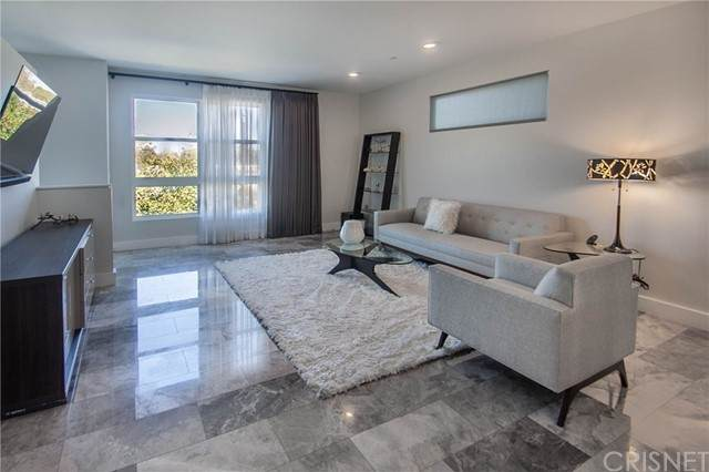 2700 E Chaucer Street #24, Los Angeles, CA 90065 (#SR21201261) :: Lydia Gable Realty Group