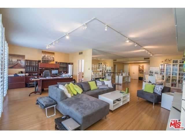4454 Ventura Canyon Avenue #106, Sherman Oaks, CA 91423 (#SR21201781) :: The Bobnes Group Real Estate