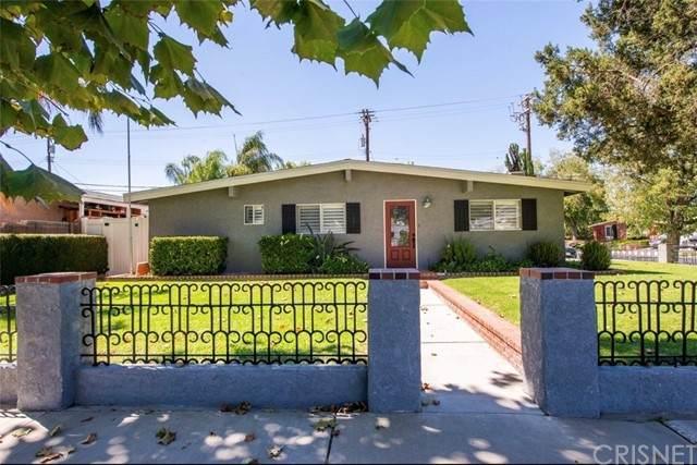 27573 Santa Clarita Road, Saugus, CA 91350 (#SR21203439) :: The Suarez Team