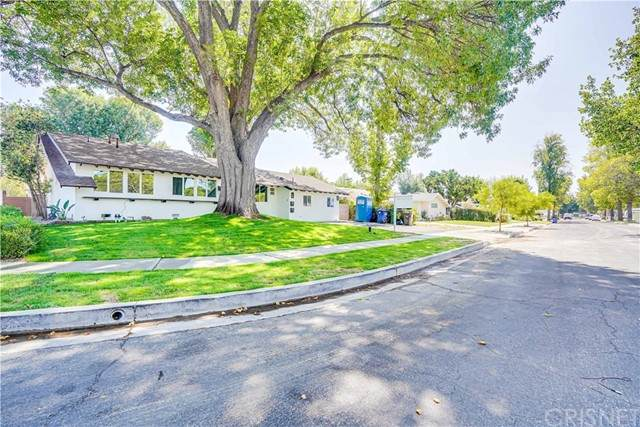 7928 Rudnick Avenue, Canoga Park, CA 91304 (#SR21204700) :: Montemayor & Associates