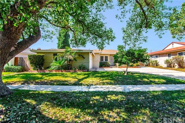 6507 Petit Avenue, Lake Balboa, CA 91406 (#SR21204418) :: Montemayor & Associates