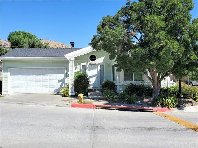20105 Canyon View Drive, Canyon Country, CA 91351 (#SR21206741) :: Montemayor & Associates