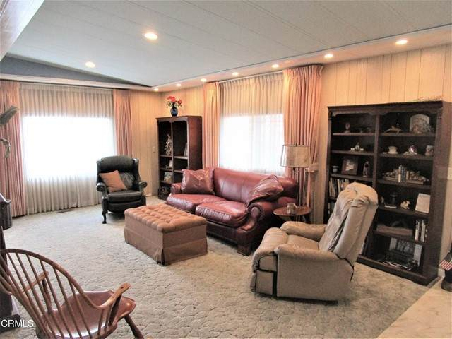 320 Borrego Avenue #320, Oxnard, CA 93033 (#V1-8496) :: Montemayor & Associates
